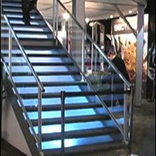 Stairs-fall-smooth-recovery