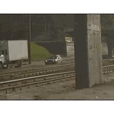 SUV-train-tracks